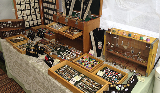 Jewelry handcrafted show